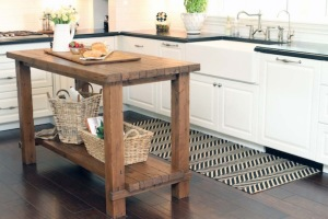 Rustic-Reclaimed-Wood-Kitchen-Island